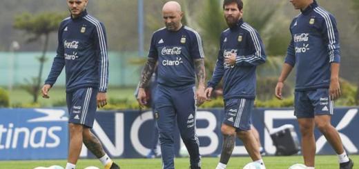 """Sampaoli probó nuevos cambios y dijo que """"solo sirve ganar"""" además de negar una pelea con Messi"""