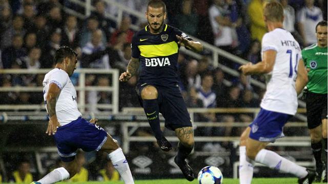 Boca supera a Vélez con un doblete de Benedetto para seguir en la cima de la Superliga