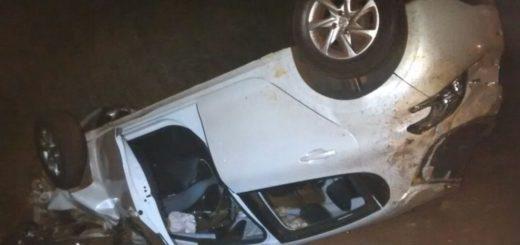 Volcó un coche con dos ocupantes cerca del acceso a Candelaria