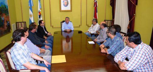 En el día después de las elecciones, Passalacqua desarrolló una mesa de trabajo con intendentes