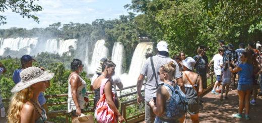 Casi un millón de turistas se movilizarán el fin de semana largo feriado por el Día del Respeto a la Diversidad Cultural