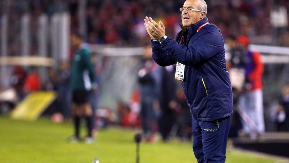 El DT argentino de Ecuador, hizo una promesa antes de enfrentar a la Selección