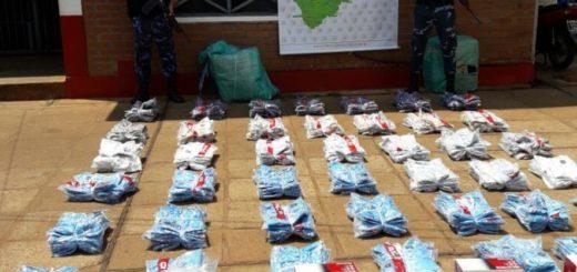 """Volvieron a incautar """"bultos"""" de contrabando en el barrio Primero de Mayo de Puerto Iguazú"""