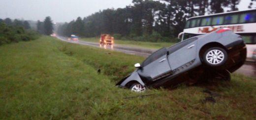 Un conductor despistó y abandonó su vehículo en la ruta 12, cerca de Mado