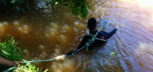 Hallaron flotando en un estanque al peón de un campo, en las afueras de Posadas