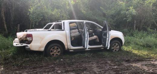 Narcos abandonan una camioneta con casi una tonelada de marihuana en las afueras de Posadas