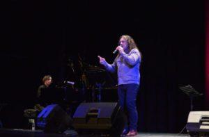 Omar Mollo deslumbró al público posadeño anoche en el Teatro Lírico