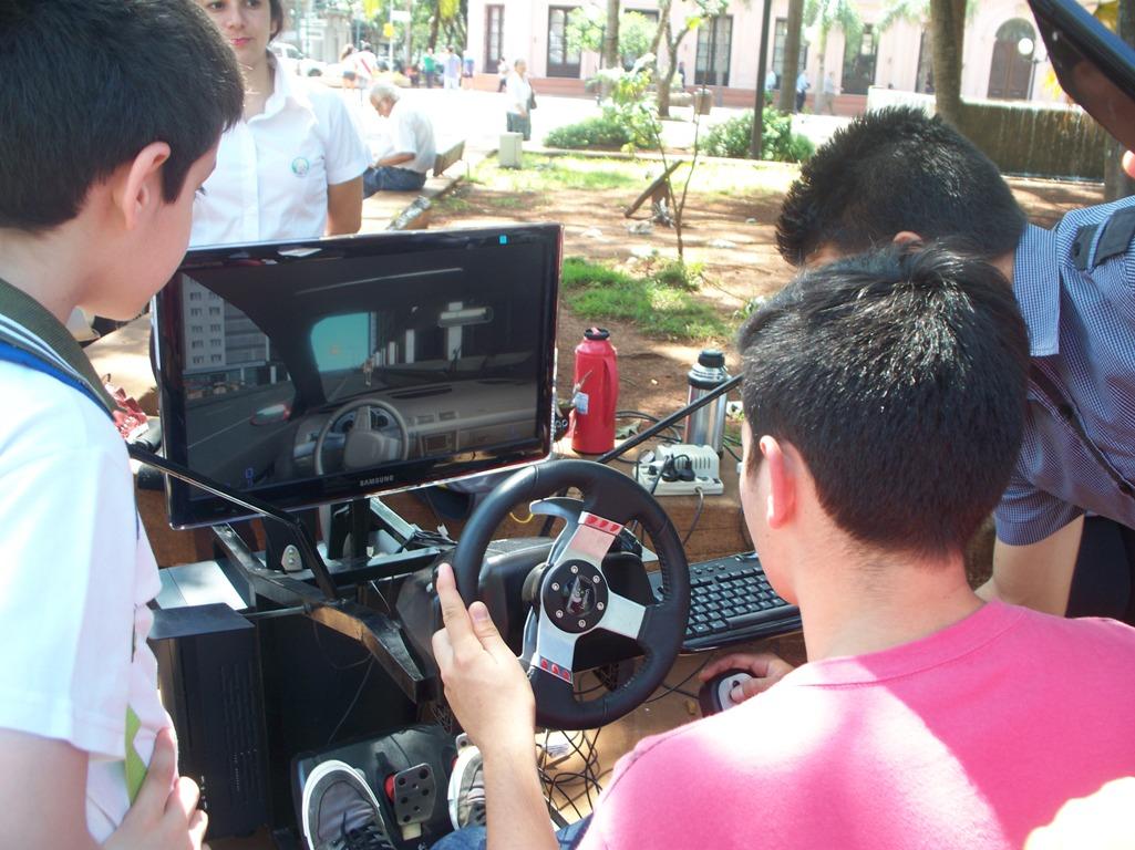 Destacan la participación y el interés de los estudiantes secundarios en los exámenes para obtener la Licencia de Conducir