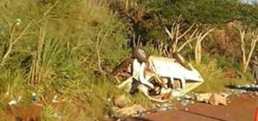 Una camioneta volcó en Colonia Aurora y el conductor perdió la vida