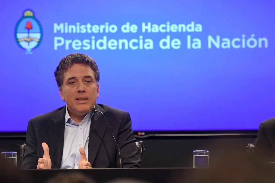 La ambiciosa apuesta de Macri para bajar impuestos suma adhesiones y alimenta críticas