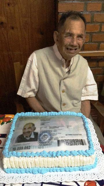 Con 86 años, uno de los personajes más conocidos de Eldorado obtuvo su primer DNI