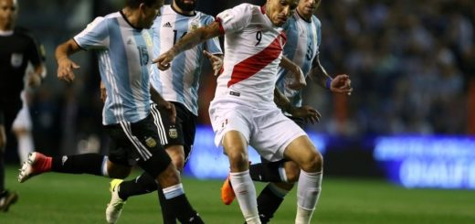 Paolo Guerrero jugador de Perú dio positivo en el control antidoping del partido contra Argentina
