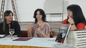 Ejemplo de vida: joven misionera que nació con parálisis cerebral presentó un libro de poemas
