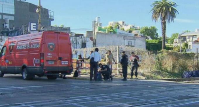 Una joven cruzó con la barrera baja y murió atropellada por un tren en Palermo