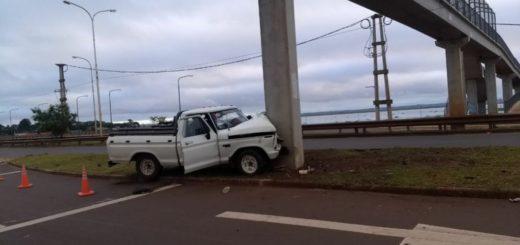 Falleció el conductor de la camioneta que chocó contra el pilar de un puente aéreo en Posadas