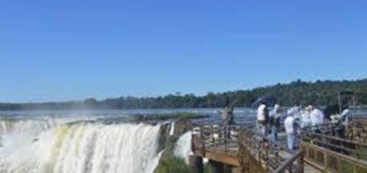 Puerto Iguazú: un joven brasileño se arrojó a la garganta del diablo