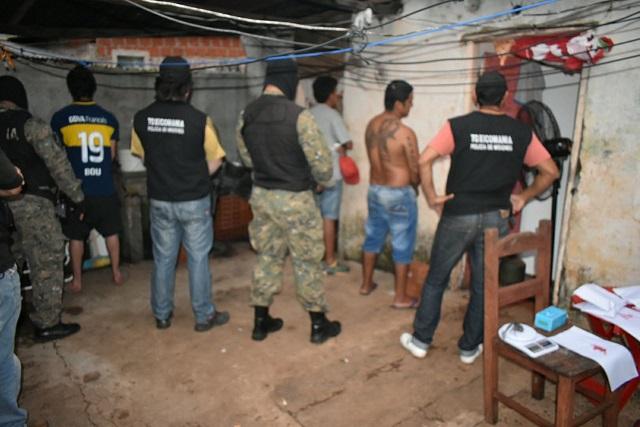 """La Policía desbarató banda de """"dealers"""" en un inquilinato de Posadas"""