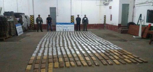 Frontera caliente: una vez más encontraron marihuana oculta entre malezas en Itatí