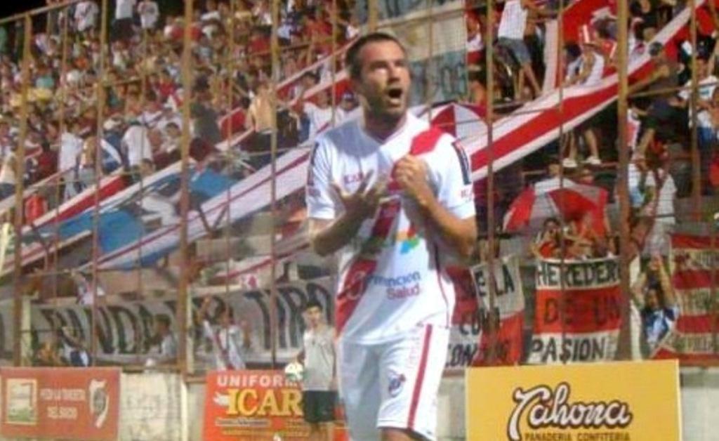 Guaraní se queda sin Ostrowski por varios meses y saldría a buscar un delantero