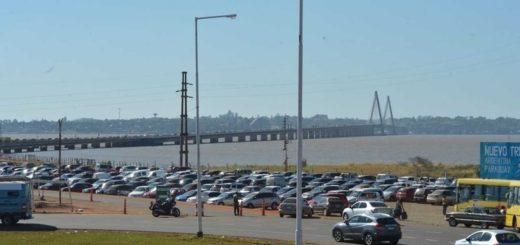 VIVO: Así está la fila de autos que espera para cruzar a Encarnación Paraguay