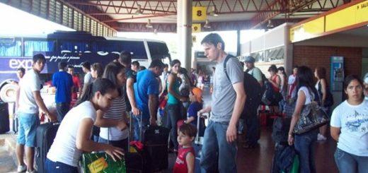 Policías reanimaron a un hombre que se desvaneció en la terminal de ómnibus de Posadas