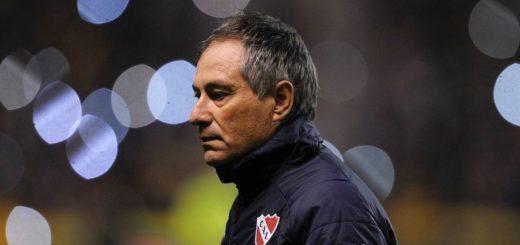 Con una carta, Ariel Holan anunció que no seguirá siendo técnico de Independiente