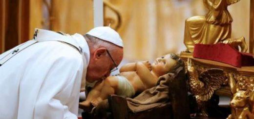 """Misa de Gallo: el Papa Francisco pidió """"abrir los ojos ante el que sufre"""""""