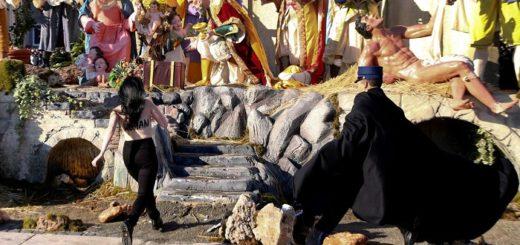 """Tetazo en el Vaticano: una militante irrumpió en el presebre al grito de """"¡Dios es mujer!"""""""