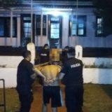 Posadas: Amenazó a una familia con un cuchillo y fue detenido