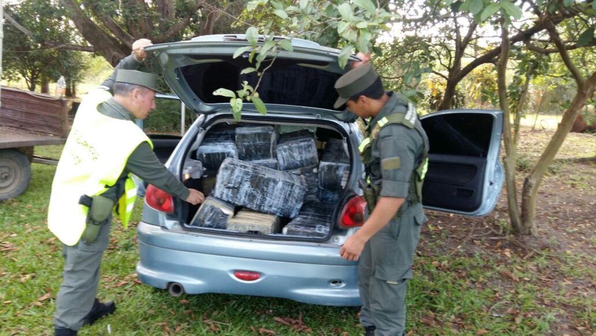 Frontera caliente: interceptan otra media tonelada de marihuana en Corrientes