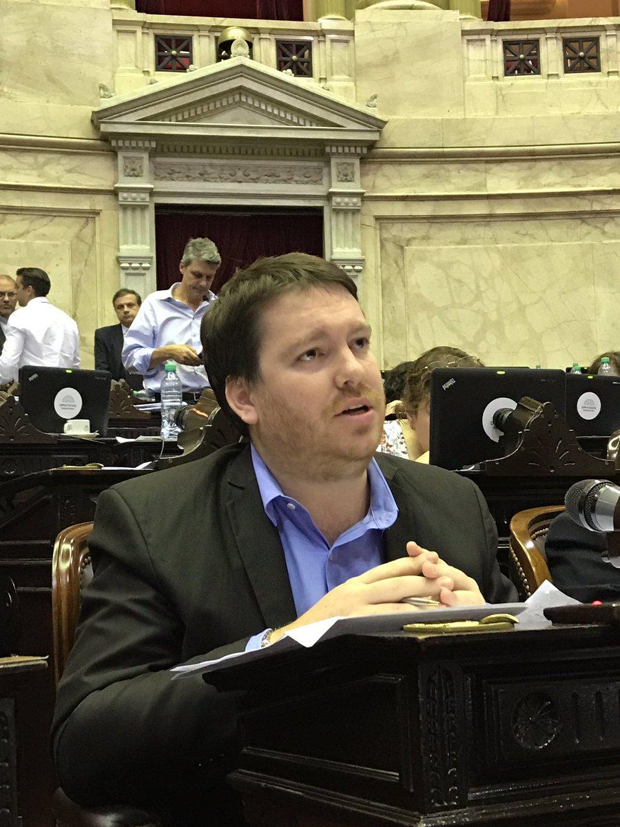 """Di Stéfano volvió a amenazar con """"llenar de dengue el Congreso de la Nación"""""""