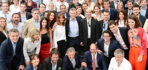 """Macri presentó la herramienta """"Exporta Simple"""", destinada a emprendedores y dueños de PyMEs"""