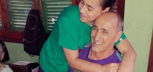 Por una sonrisa de los abuelos del geriátrico de Miguel Lanús, realizaron una emotiva acción solidaria navideña