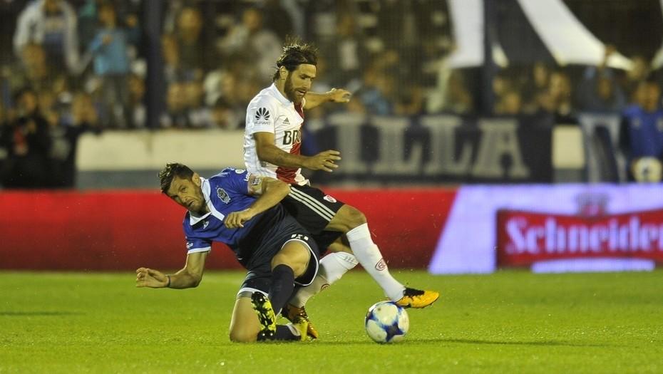 Scocco puso el empate para River ante Gimnasia en La Plata