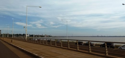 VIVO: kilómetros de cola en el Acceso Sur para cruzar al Paraguay