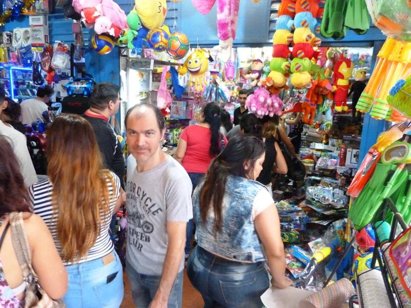 A última hora: el microcentro posadeño abarrotado por las compras para las Fiestas