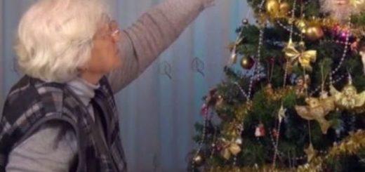 El peculiar adorno que una abuela colgó en el arbolito de Navidad