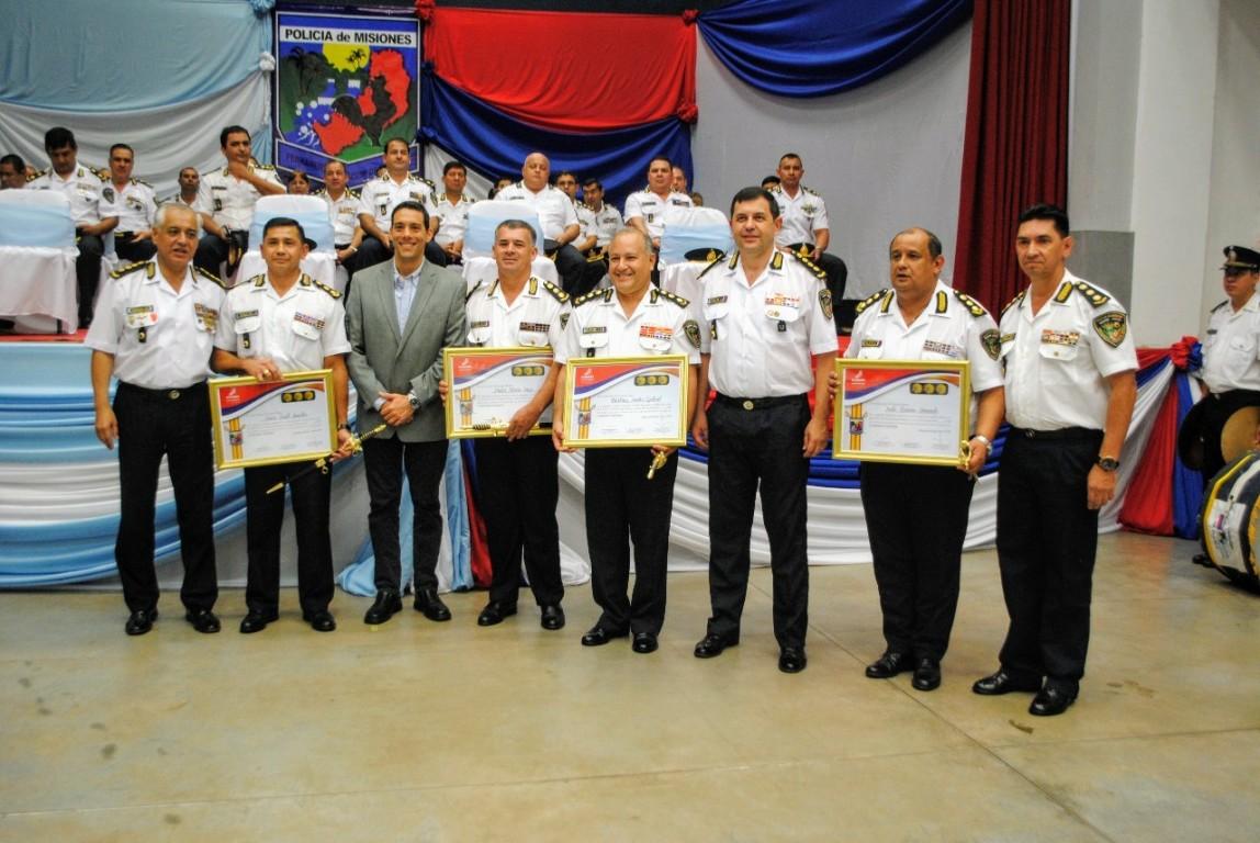 Emotivo acto de ascenso de oficiales y suboficiales de la Policía de Misiones
