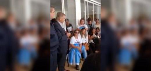 Familiares de los tripulantes delsubmarino desaparecido increparon al Ministro Aguad