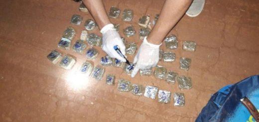 Dealer huyó tras ser descubierto y abandonó la droga que tenía para la venta en Eldorado