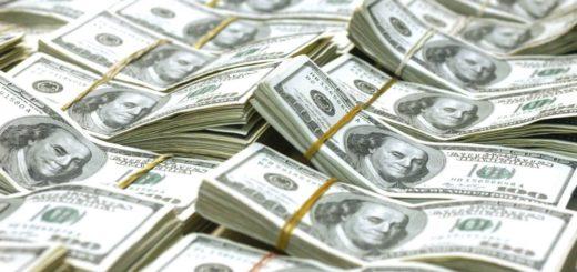 Economistas aseguran que el dólar seguirá en 2018 detrás de la inflación y la tasa, pero con un margen más acotado