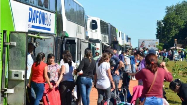 Aseguran que el flujo de argentinos que cruzan a Paraguay aumentó en las últimas semanas, pese a los controles de la Aduana