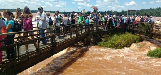 En Iguazú esperan que unos 15 mil turistas visiten las Cataratas durante el fin de semana largo