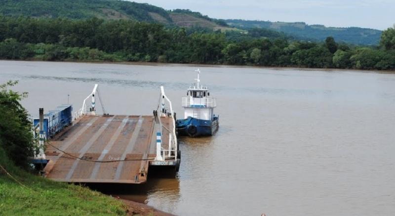 Aseguran que se incrementó el cruce en balsa de misioneros a Brasil