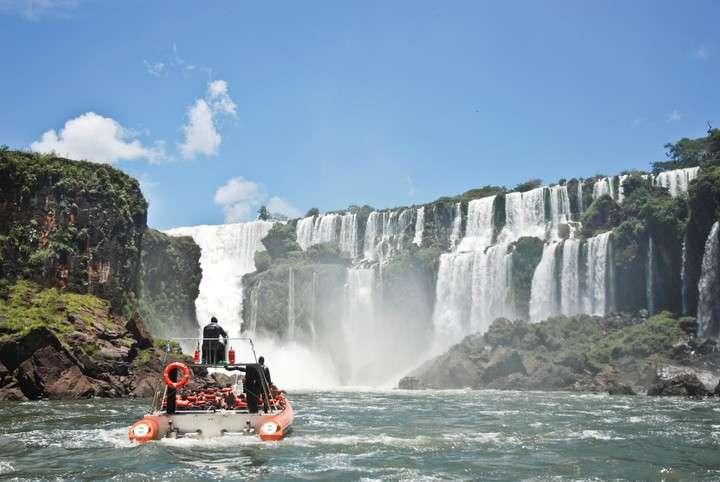 Aseguran que se incrementó el arribo de turistas internacionales a las Cataratas del Iguazú