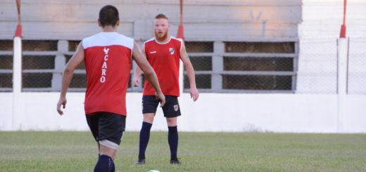 La lluvia lo hizo otra vez: el clásico amistoso entre Guaraní y Mitre se suspendió por el mal tiempo