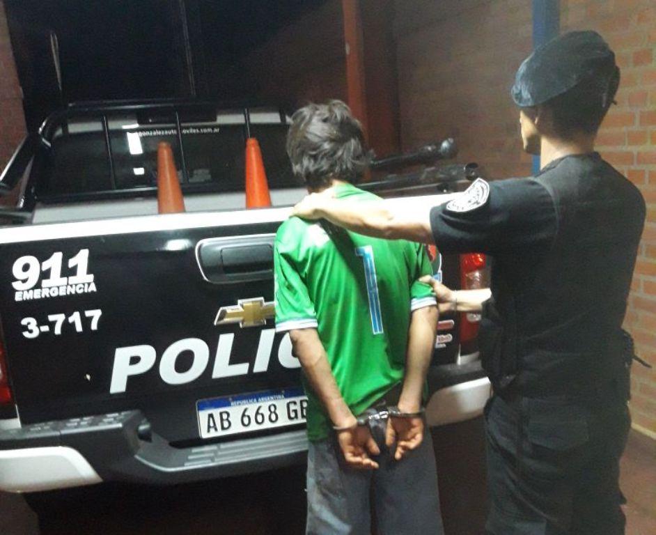 """""""Gabrielito"""" arrojaba piedras a vehículos y terminó detenido"""