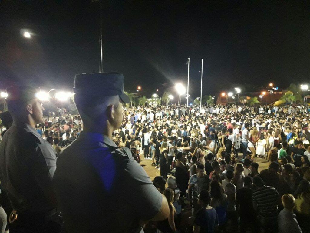 Alem: más de 4.000 personas se congregaron en la Plaza del Bicentenario para recibir al 2018