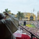Ante más de un millón de personas, Francisco cerró su gira con una misa en Lima