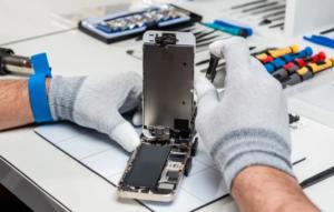 Buscan prohibir la venta de smartphones con baterías difíciles de reemplazar